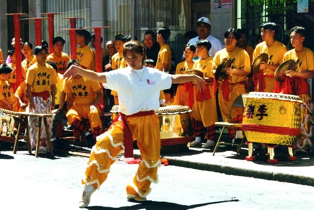 Liste de livres sur les acteurs de films d'arts martiaux